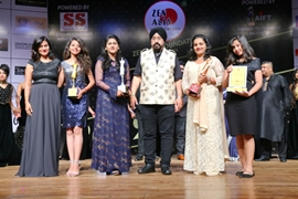 Dr Chatur Singh Khalsa – Founder Chairman Zen Asia Foundation with winners PRESTIGIOUS FACE OF THE YEAR