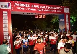 Zayed Khan And Sonnalli Seygall Encourage Thousands of Mumbaikars at Parinee Juhu Half Marathon 2020