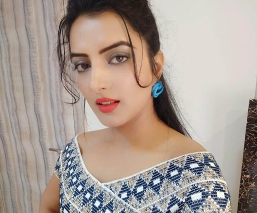 Bhojpuri Actress Sonalika Prasad  Host Big Ganga Channel Show With Ripu Daman