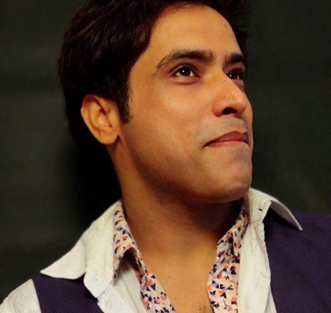 Actor Hemwant Tiwari Shocked At Lomad Piracy Attempt