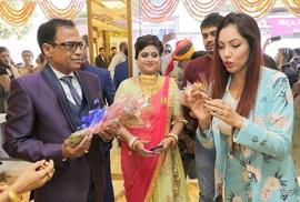 Gorgeous Munmun Dutta (Babita Ji) Launched DHANRAJ JEWELLERS In Sagwara – Rajasthan