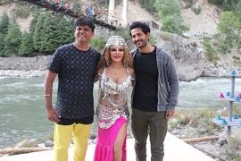 Rakhi Sawant Photo Goes Viral From Coming Film Kashmir Dhara 370
