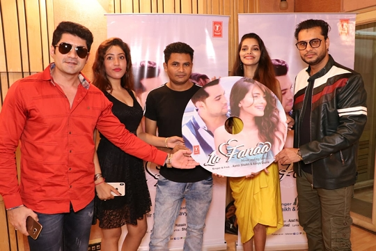 Aavya Gupta Who Is Seen With Aamir Shaikh In The music Video  Is Miss Diva Of India International