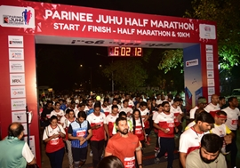 Zayed Khan And Sonnalli Seygall Encourage Thousands of Mumbaikars at Parinee Juhu Half Marathon 2020