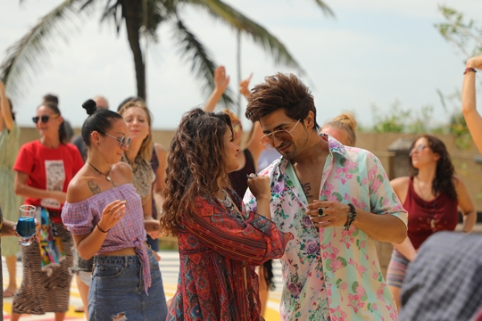 Singer  Nikk Unveils Track Badaami Rang  Goa Offers  Picturesque Backdrop To Song